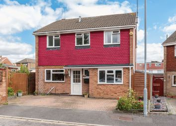Thumbnail 3 bedroom detached house for sale in St Bernards Close, Denbigh High School Catchment, Luton