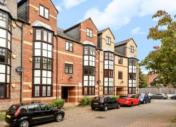 Thumbnail 1 bedroom flat for sale in Maltings Place, Holybrook, Reading
