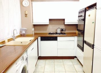 Thumbnail 3 bed flat to rent in Roding Lodge, Ilford - IG1, Ig2, Ig6, Ig5, Ig4,