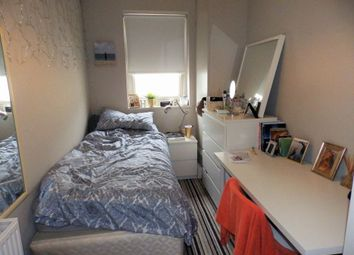 Thumbnail 3 bed flat to rent in Lansdowne Street, Hove, East Sussex