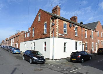 Thumbnail 2 bedroom flat for sale in New Street, Grantham