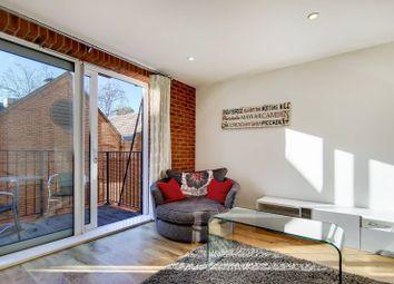 Major Draper Street, Woolwich Riverside, London SE18. 2 bed flat for sale
