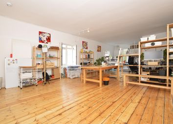 Thumbnail 1 bed flat to rent in Shacklewell Street, London