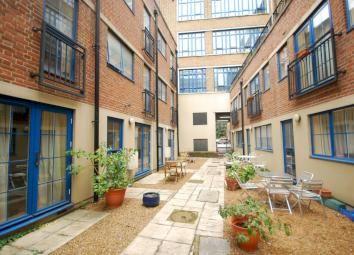 Thumbnail 4 bedroom shared accommodation to rent in Grange Yard, Bermondsey