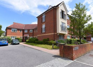 2 bed flat to rent in Guillemont Fields, Farnborough GU14