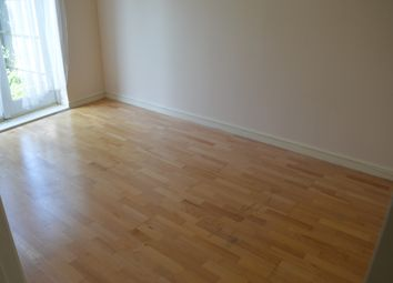 Thumbnail 1 bed flat to rent in Ballinger Way, Northolt