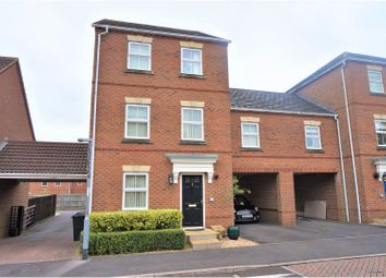 Thumbnail 5 bedroom link-detached house for sale in Wedderburn Avenue, Beggarwood, Basingstoke