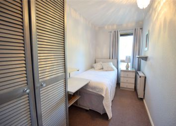 Thumbnail Room to rent in Inchwood, Birch Hill, Bracknell, Berkshire
