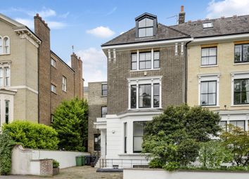 Hampstead Lane, London N6. 2 bed flat for sale