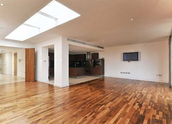 Thumbnail 3 bedroom flat to rent in The Galleries, London