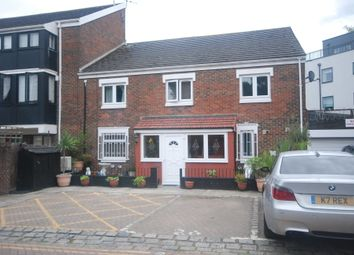Thumbnail 1 bed flat to rent in Ewe Close, London