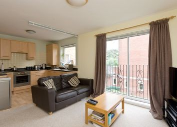Thumbnail 1 bedroom flat to rent in Crescent Road, London
