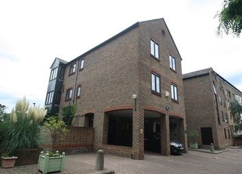 1 bed flat to rent in Plymouth Wharf, Isle Of Dogs E14