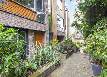 Thumbnail 4 bed flat to rent in Hampstead, Hampstead, London
