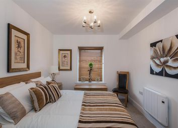 Thumbnail 1 bed flat to rent in The Hundred, Romsey