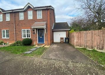 3 bed property to rent in Tamar Close, Stevenage SG1