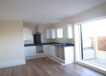 Thumbnail 2 bed flat to rent in Chingford Mount Road, Chingford