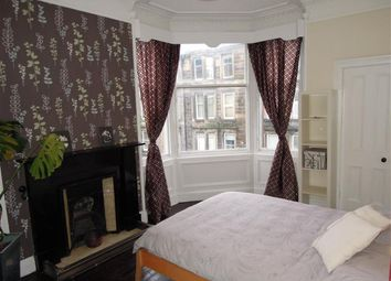 Thumbnail 2 bed flat to rent in Edina Place, Easter Road