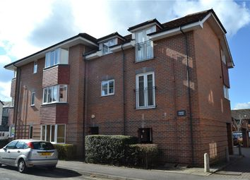 Thumbnail 2 bedroom flat to rent in Oddfellows Road, Newbury, Berkshire