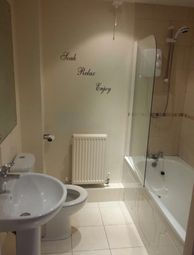 Thumbnail 2 bed flat to rent in Lindley Road, Sheffield