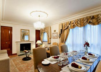 Thumbnail 5 bed flat to rent in Brick Street, Mayfair