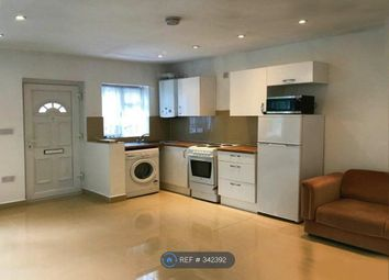 Thumbnail 2 bed flat to rent in Hawthorn Mews, London