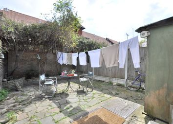 Thumbnail 4 bed detached house to rent in Gascoigne Place, London