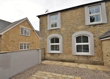 Thumbnail 2 bed maisonette for sale in Parkside, Launton Road, Bicester