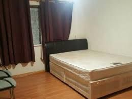 Thumbnail 4 bed flat to rent in Elm Park Avenue, Hornchurch