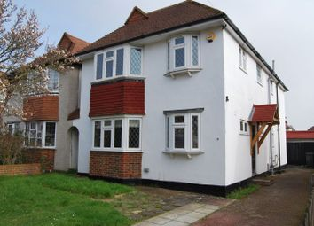 4 bed property to rent in Aldridge Rise, New Malden KT3