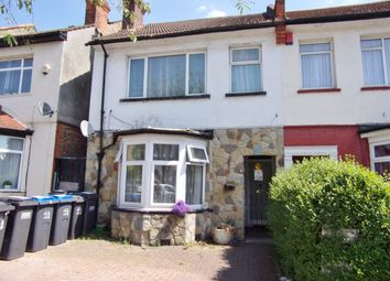 Thumbnail Flat for sale in Whitworth Road, London
