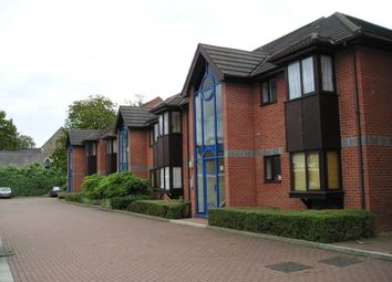 Thumbnail 1 bed flat to rent in Chartwell Close, Croydon