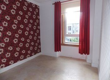 Thumbnail 2 bedroom flat to rent in Provost Road, Dundee