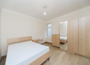 Thumbnail 2 bed flat to rent in Settle Street, London