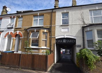 Thumbnail Flat to rent in Queens Road, Watford