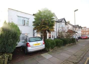 3 bed maisonette to rent in Grove Road, Edgware, Middlesex HA8