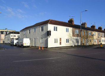 Thumbnail 1 bed flat to rent in Aylesbury Street, Swindon
