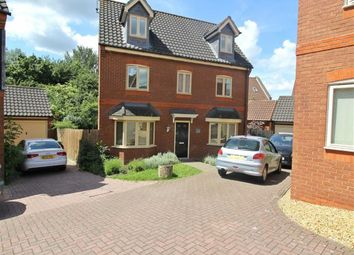 Thumbnail 5 bedroom detached house to rent in Foxley Place, Loughton, Milton Keynes