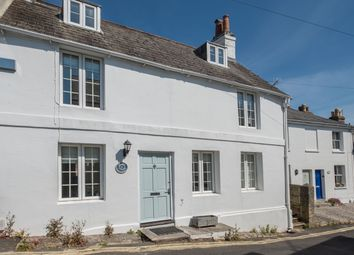 Thumbnail 4 bed cottage for sale in Sun Hill, Cowes