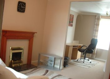 2 bed terraced house to rent in William Street, Swansea SA1