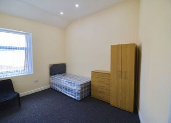 Thumbnail 4 bed flat to rent in Willow Lane, Huddersfield