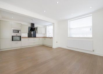 Thumbnail 2 bedroom flat to rent in Leeland Road, London