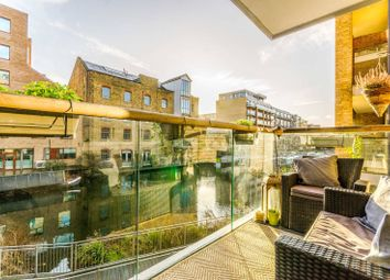 Thumbnail 2 bedroom flat for sale in Hertford Road, Islington, London