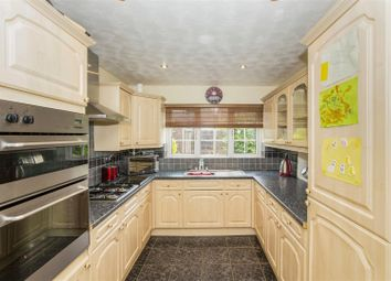 Thumbnail 4 bed property for sale in Silverweed, Eaton Ford, St. Neots