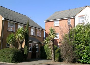 Thumbnail 1 bed flat to rent in Queens Court, Queens Road, Slough