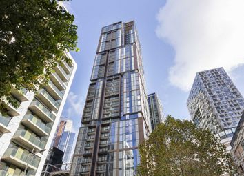 3 bed flat to rent in Maine Tower, 9 Harbour Way, London E14