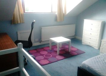 Thumbnail 3 bedroom terraced house to rent in Ashmount, Bradford