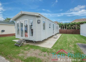 Thumbnail 2 bed mobile/park home for sale in Bridge Road, Potter Heigham, Great Yarmouth