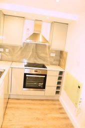 Thumbnail Room to rent in 68 Goldhawk Road, Hammersmith