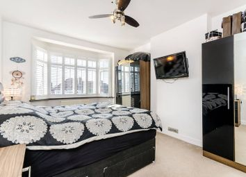 3 bed property for sale in Thornsbeach Road, Catford SE6